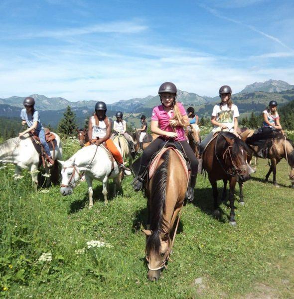Petit trot : colo stage d'équitation – 7/13 ans