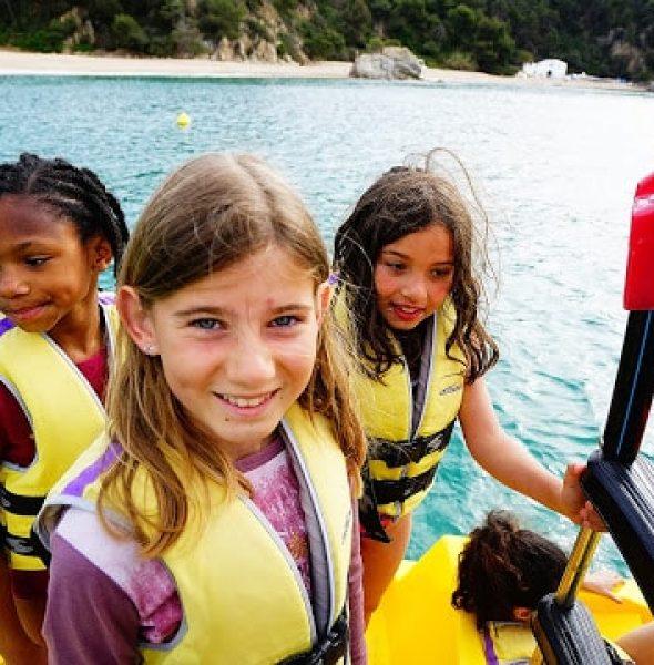 Colo «Sea, Sun & Sports» à Cala Canyelles, en Espagne.  De 6 à 15 ans.