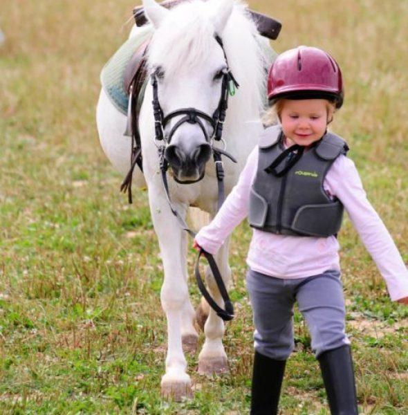 Ma première colo équitation & ferme – Enfants 4 à 6 ans
